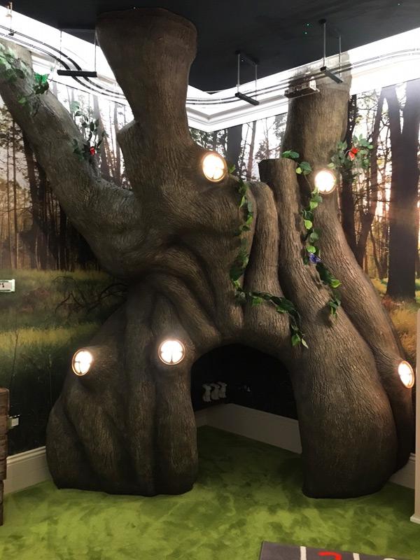 Tree-prop-art-1
