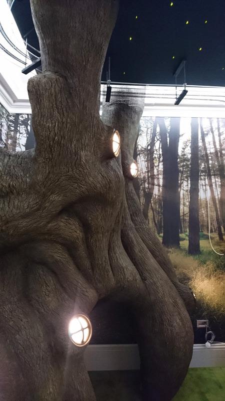 Tree-prop-art-2